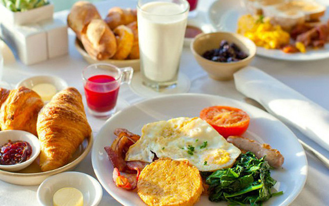 """""""Ăn sáng đàng hoàng"""" là ước mơ cao cấp và xa xỉ nhất của người trưởng thành"""