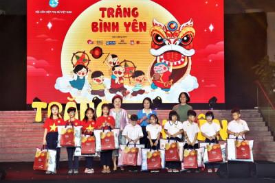 """Tập đoàn BRG góp """"Trăng Bình yên"""" tới trẻ em có hoàn cảnh đặc biệt trên địa bàn Hà Nội"""