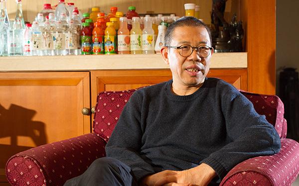 Zhong Shanshan: Từ người chưa tốt nghiệp cấp một đến tỷ phú giàu thứ 3 Trung Quốc nhờ nước đóng chai