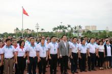 Lãnh đạo Natrumax cùng hơn 300 đại lý, nhà phân phối dâng hương tưởng niệm Chủ tịch Hồ Chí Minh