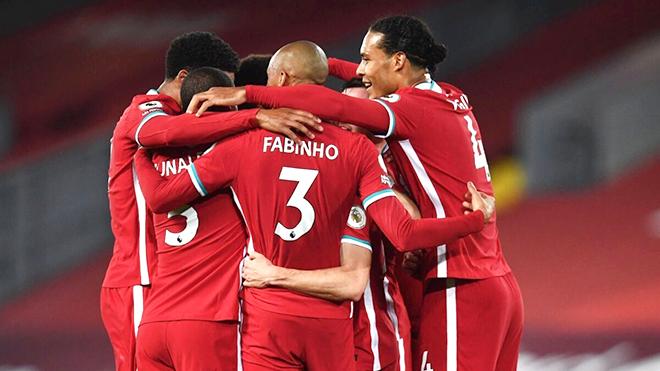Liverpool 'giữ chân trên bàn đạp'