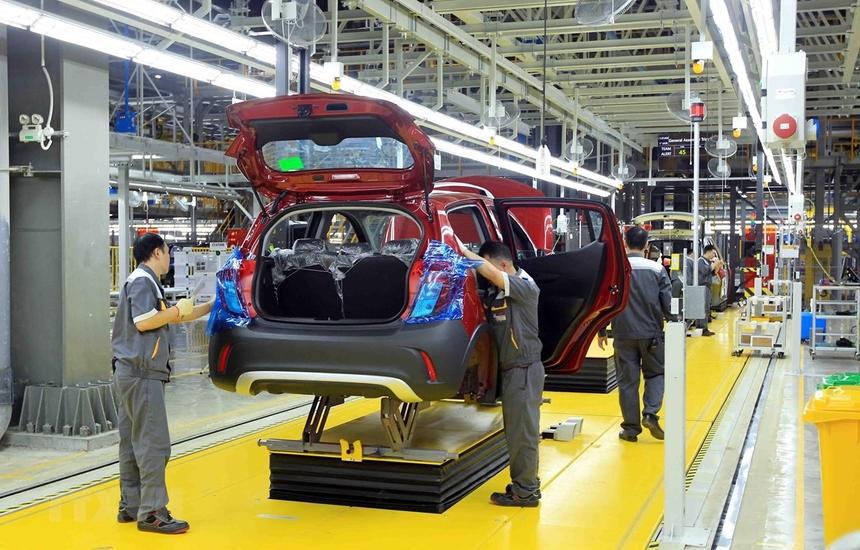 Kinh tế Việt Nam trước bước ngoặt 'hóa rồng'
