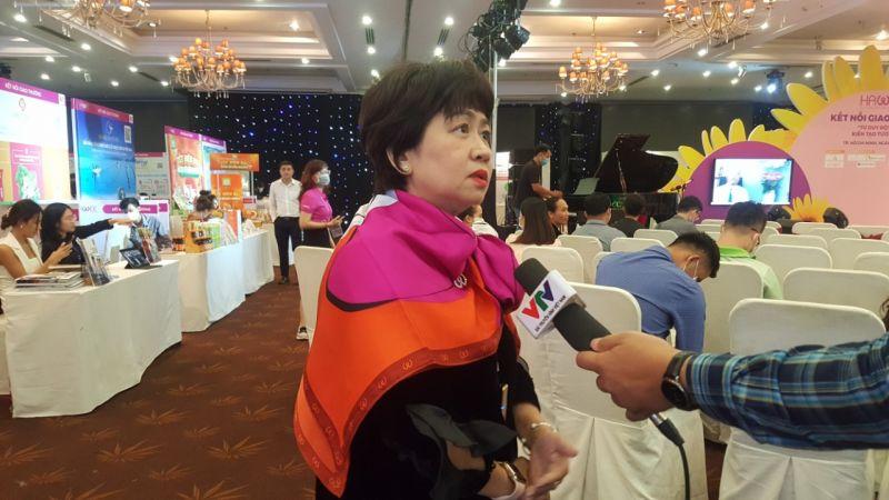 Bà Phan Thị Tuyết Mai – Phó Chủ tịch hội nữ Doanh nhân TP.HCM, Tổng Giám đốc Cty TNHH TMTM trả lời phỏng vấn