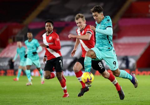 Southampton 1-0 Liverpool: Liverpool đối mặt nguy cơ mất ngôi đầu bảng