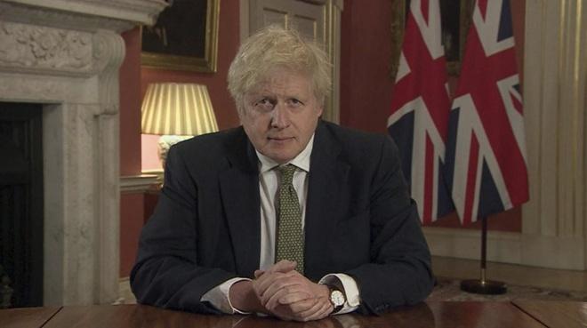 Thủ tướng Anh Boris Johnson tuyên bố phong tỏa toàn nước Anh. Ảnh: AP.