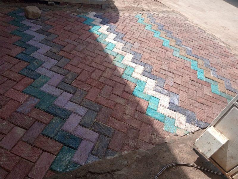 Các khối lát ở Gjenge với nhiều màu sắc khác nhau / ảnh của Gjenge