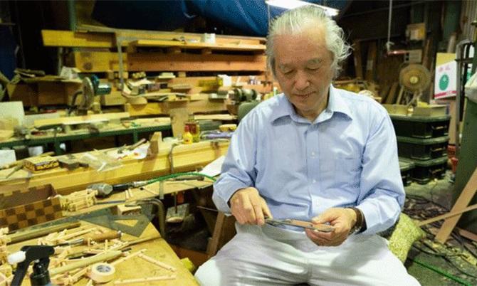 Ông Shigeo Kiuchi, người đứng đầu Kiuchi Gumi, một trong 8 nhóm thợ mộc làm việc cho Kongo Gumi. Ảnh: Nikkie.