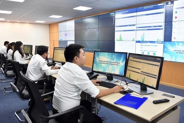 Trung tâm giám sát an toàn an ninh mạng và điều hành thông tin tỉnh được đưa vào vận hành ngày 9/10/2020 đáp ứng nhu cầu điều hành và xây dựng một chính quyền phục vụ người dân.