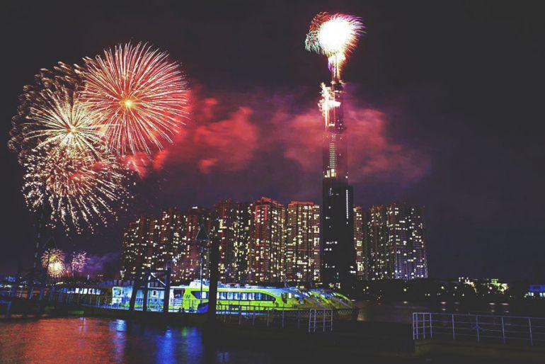 Bình Dương: Bắn pháo hoa 9 điểm mừng Xuân Tân Sửu 2021