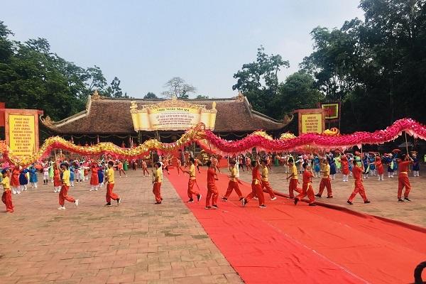 Lễ hội Lam Kinh được tổ chức hằng năm vào ngày 22 tháng 8 âm lịch tại quần thể khu di tích lịch sử Lam Kinh
