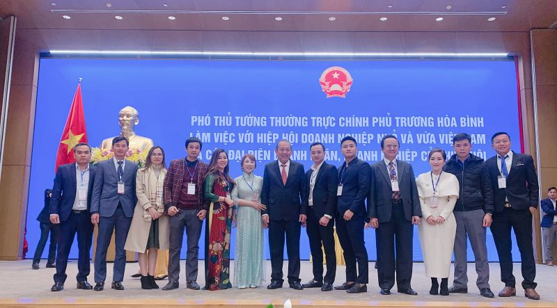 Phó Thủ tướng Thường trực gặp mặt đoàn doanh nghiệp, doanh nhân tiêu biểu thuộc VINASME