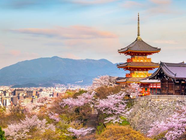 Đây là năm thứ tư liên tiếp Nhật Bản đứng đầu danh sách quốc gia có hộ chiếu quyền lực nhất thế giới.