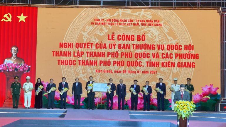 Phú Quốc chính thức là thành phố biển đảo đầu tiên của Việt Nam