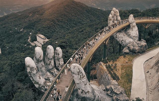 Đà Nẵng vẫn luôn là điểm đến thu hút du khách trong và ngoài nước.