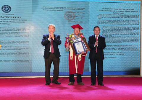 Anh hùng Lao động - Nhà khoa học Hoàng Đức Thảo và Busadco xác lập kỷ lục thế giới và Việt Nam