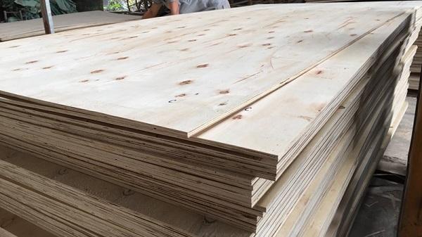 Ủy ban thương mại Hàn Quốc vừa mở cuộc điều tra chống bán phá giá đối với gỗ dán nhập khẩu từ Việt Nam do lo ngại hàng nhập khẩu giá rẻ gây ảnh hưởng cho ngành sản xuất tại nước này