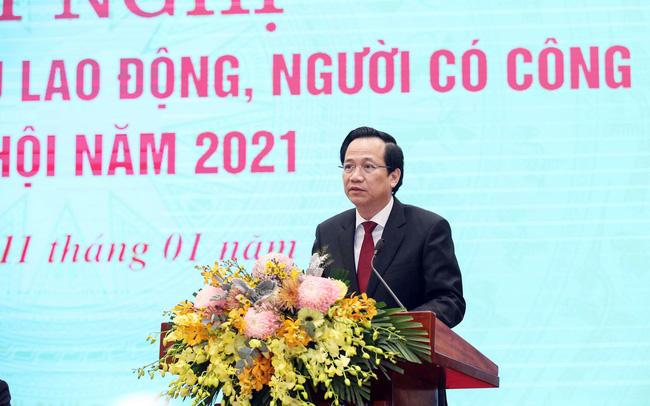 Bộ trưởng Đào Ngọc Dung phát biểu tại hội nghị sáng 11/1