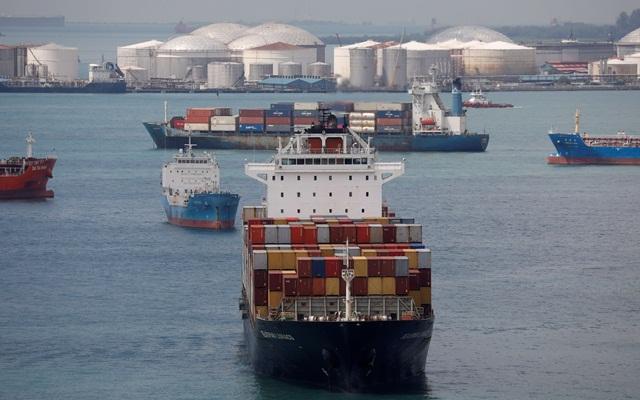Nhu cầu vận chuyển container từ châu Á sang các thị trường phương Tây không có dấu hiệu chậm lại sau mùa mua sắm cuối năm.  ảnh  Reuters