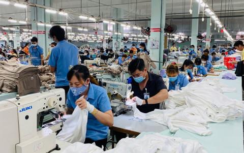 Ngân hàng Chính sách Xã hội giải ngân 31,6 tỷ đồng cho 207 doanh nghiệp vay trả lương lao động bị ngừng việc