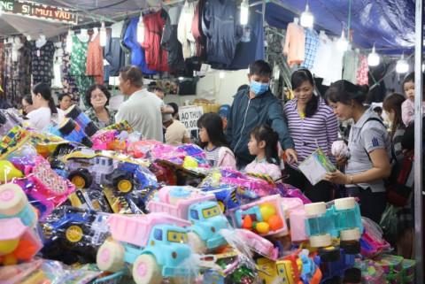 Hàng trăm sản phẩm tại Hội chợ mua sắm Tết hàng Việt Nam-Thái Lan năm 2021
