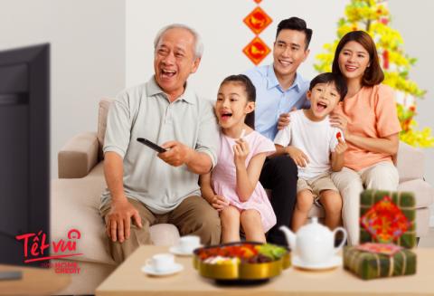 """Home Credit """"Lì xì""""  khách hàng nhân dịp tết Tân Sửu"""