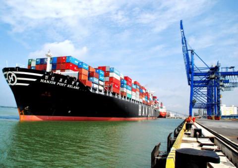Chính phủ yêu cầu xử lý tình trạng tăng giá thuê tàu và container