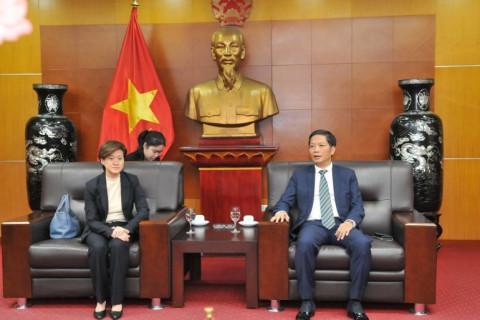Bộ trưởng Trần Tuấn Anh tiếp Đại sứ Đặc mệnh toàn quyền Singapore tại Việt Nam