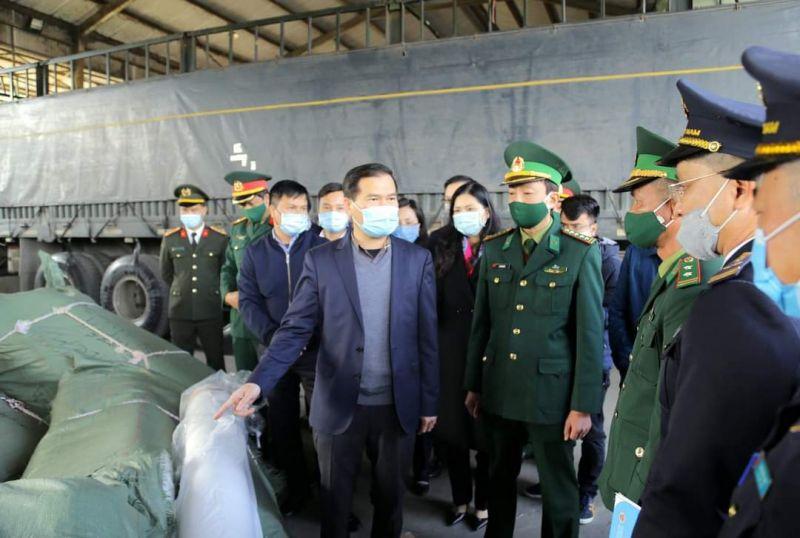 Lãnh đạo tỉnh Quảng Ninh kiểm tra, chỉ đạo công tác xuất nhập khẩu tại các cửa khẩu trong dịp Tết nguyên đán.
