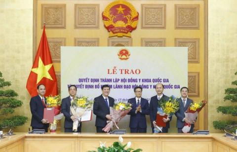 Trao Quyết định thành lập Hội đồng Y khoa Quốc gia