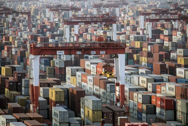 Mặc đại dịch COVID và thương chiến, Xuất nhập khẩu của Trung Quốc đạt mức cao kỷ lục gần 5000 tỉ USD