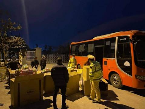 Quảng Ninh: CSGT phát hiện hàng nghìn sản phẩm đồ chơi không nguồn gốc trên xe khách
