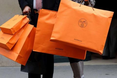 Giới nhà giàu Trung Quốc mạnh tay mua sắm bất chấp Covid-19