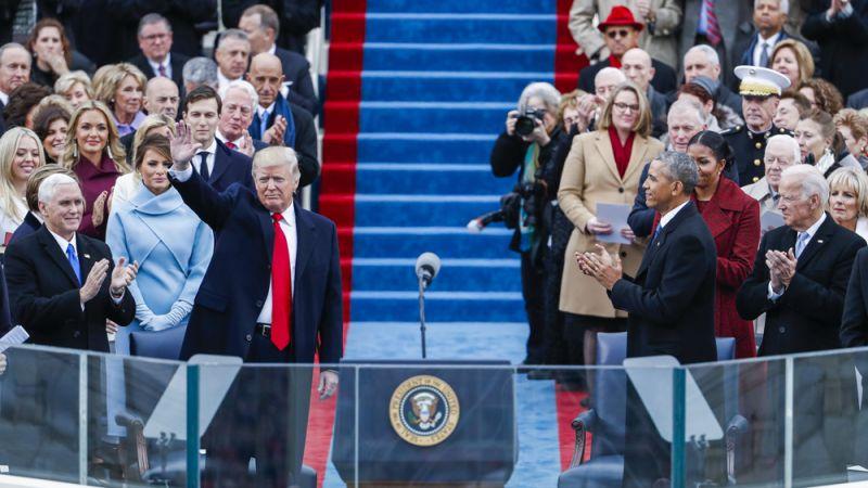 Cựu Tổng thống Barrack Obama tham dự lễ nhậm chức của ông Trump năm 2017 - Ảnh: DW