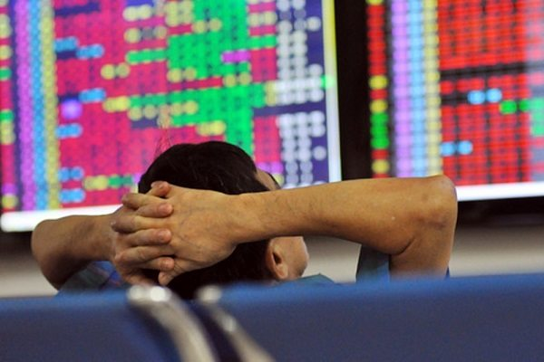 Nhà đầu tư F0 dường như bị knock out trong phiên giao dịch sáng 19/1. Nguồn ảnh: TTXVN