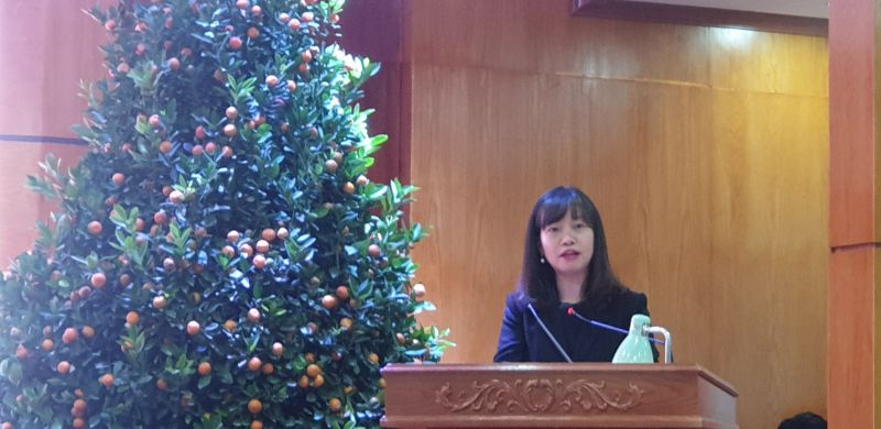 """Đồng chí Trần Thị Quỳnh Trang Bí thư huyện ủy An Dương phát biểu tại hội nghị và bày tỏ quan điểm rằng """" Doanh nghiệp phát tài, An Dương phát triển"""""""