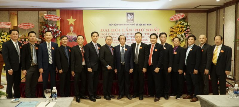 Ban chấp hành Chi hội khóa I, nhiệm kỳ 2021 - 2025 ra mắt Đại hội