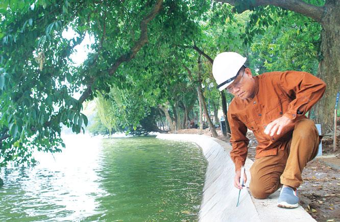 Anh hùng Lao động Hoàng Đức Thảo, Tổng Giám đốc Công ty Busadco kiểm tra công trình kè hồ Hoàn Kiếm