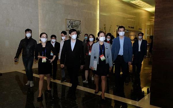 Bộ trưởng Y tế Nguyễn Thanh Long đã trực tiếp đi kiểm tra công tác y tế phục vụ Đại hội Đại biểu toàn quốc của Đảng lần thứ XIII.