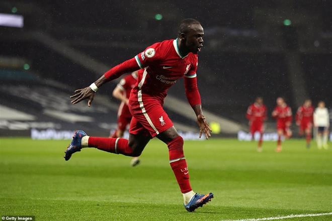 Sadio Mane có trận đấu thăng hoa, ghi một bàn và hai kiến tạo.