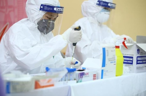 Bộ Y tế huy động 12 đơn vị hỗ trợ xét nghiệm Covid-19 tránh hiện tượng ùn tắc tại Hà Nội