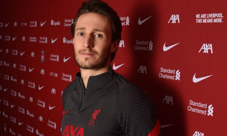Liverpool chiêu mộ thành công hai tân binh Ozan Kabak và Ben Davies