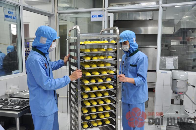 Dimsum hàng ngày được sản xuất tại xưởng Dimsum Đại Hưng hơn 400m2 đạt chứng nhận VSATTP, đạt chuẩn HACCP..