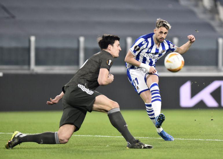 Bruno Fernandes tỏa sáng với 1 cú đúp giúp Man United đặt 1 chân vào vòng 1/8