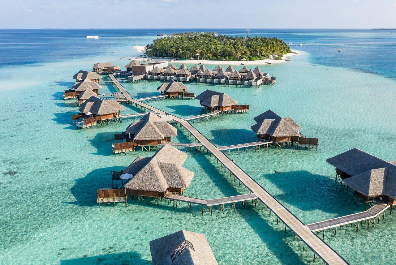 Các khu nghỉ dưỡng siêu cao cấp của Maldives cung cấp cả các tiện ích để du khách có thể ở lại cả năm và làm việc, học tập từ xa.