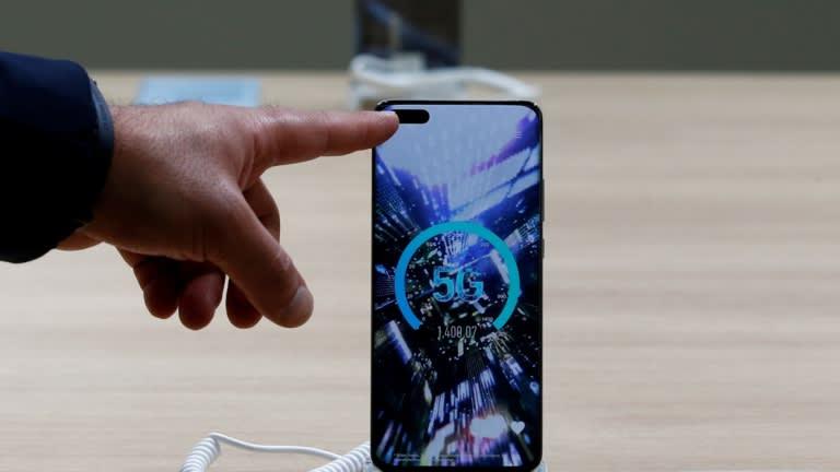 Huawei đã đi trước Apple và các nhà sản xuất điện thoại thông minh khác trong việc xuất xưởng các mẫu 5G. © Reuters