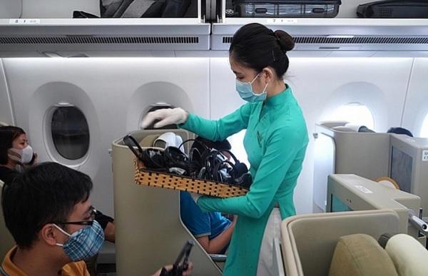 Đề nghị ưu tiên tiêm vắc-xin Covid-19 đợt 1 cho các nhóm nhân viên hàng không