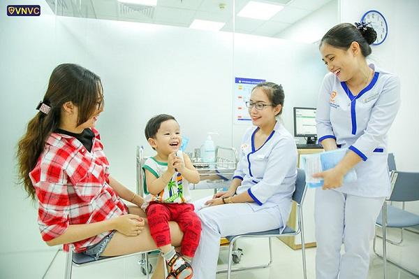 VNVC khẳng định toàn bộ vắc xin đều được nhập khẩu chính hãng từ các nhà sản xuất lớn trên thế giới, VNVC cung cấp nhiều dịch vụ tiêm chủng linh hoạt theo yêu cầu của khách hàng