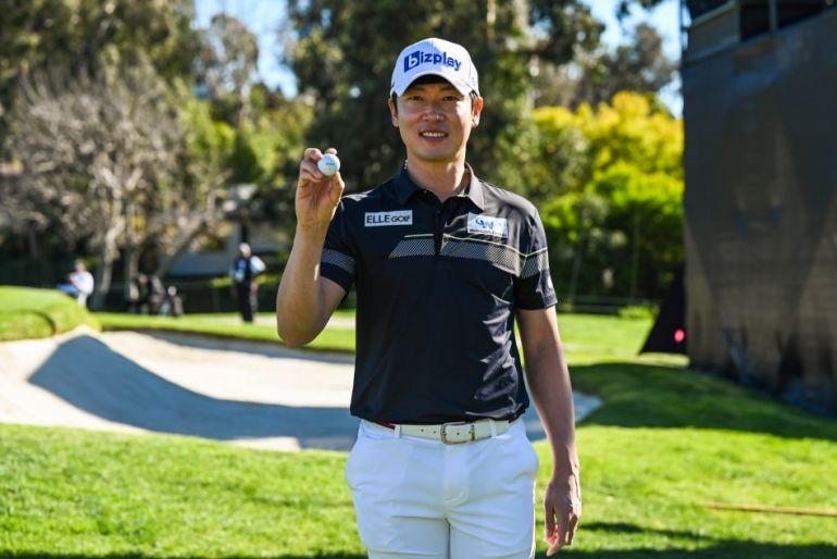 Ghi HIO, golfer Kim Hoon Tae rinh chiếc xe Genesis thứ ba chỉ trong bốn tháng
