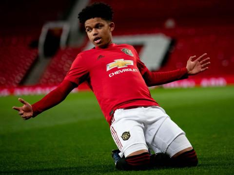 Cầu thủ 17 tuổi làm nên lịch sử của MU trong trận gặp Newcastle vừa qua là ai?