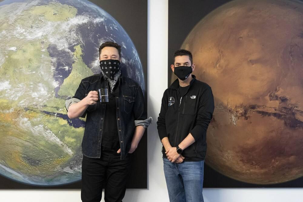 Người sáng lập kiêm CEO SpaceX, Elon Musk và tỷ phú Jared Isaacman (Ảnh: SpaceX)